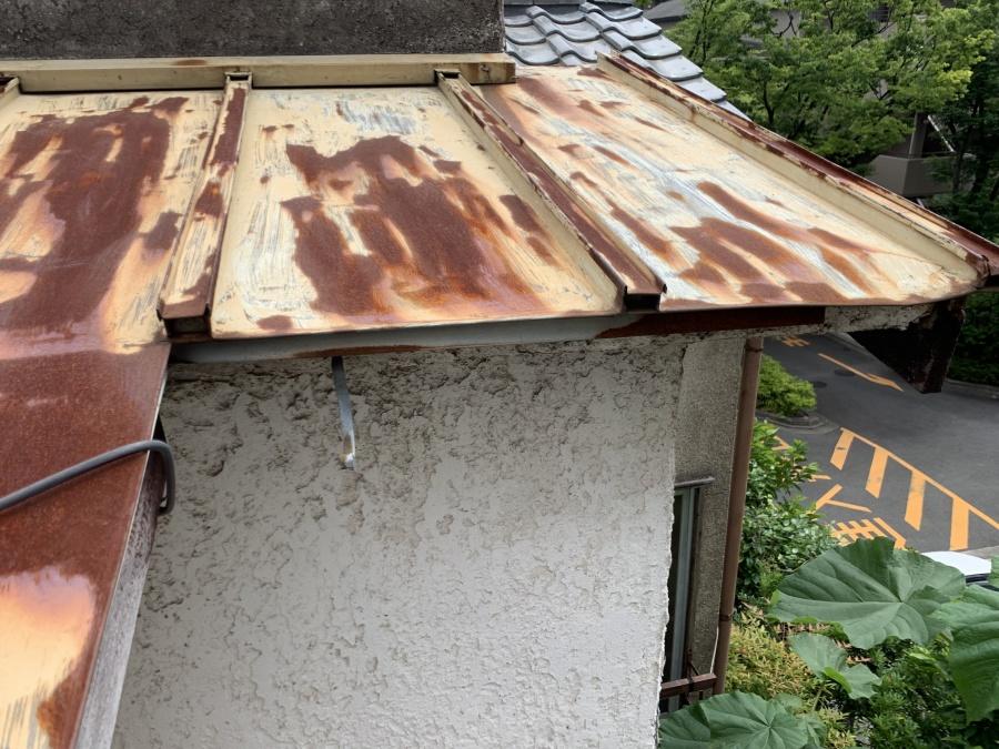 台風被害 雨樋の飛散
