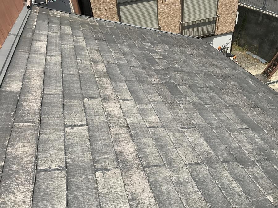 下屋根の化粧スレート屋根