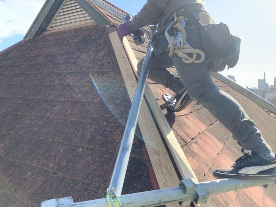 屋根工事前の棟板金の吹き飛び 新しい下地の施工