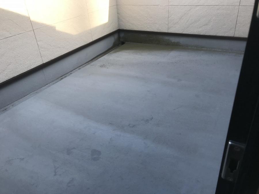 神戸市垂水区 防水ベランダ工事・雨漏り対策の様子をご紹介!