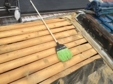 屋根の葺き替え工事 葺き土の清掃