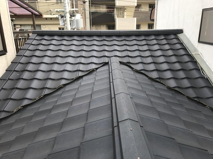 屋上の隣には最近葺き替えたルーガの屋根