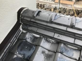 下屋根の棟と壁の取り合い