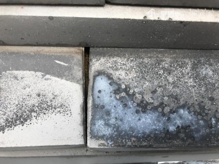 のし瓦の隙間土が見えています。