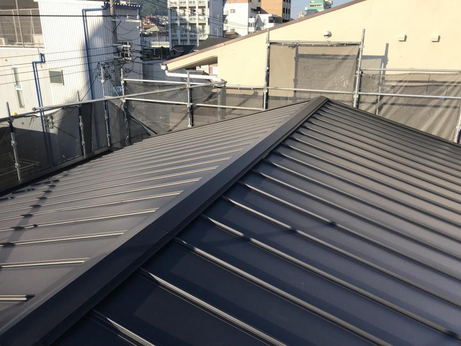 屋根リフォーム 立平葺き完成