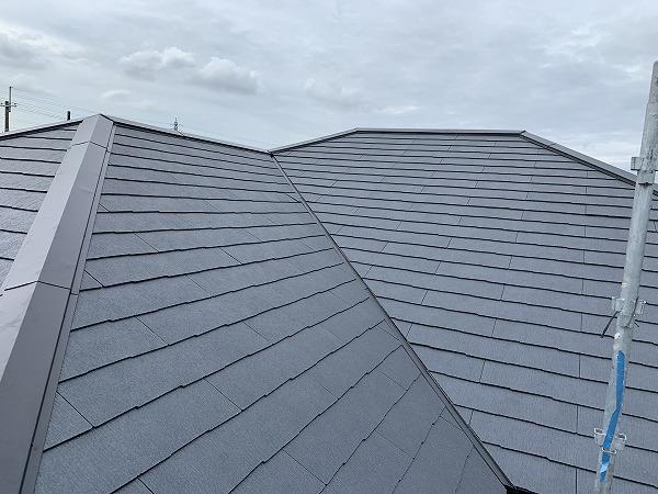 コロニアルクァッド葺き替え後の屋根