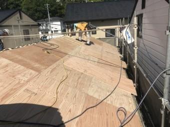 神戸市北区 ガルバリウム屋根を固定するための下地完成