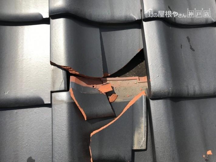 瓦差替え 釉薬瓦の割れ