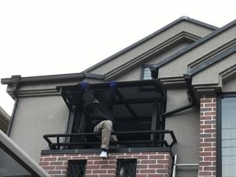 ベランダテラスのポリカ製屋根パネルの掃除
