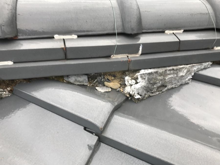 瓦屋根点検時の面戸の崩れ