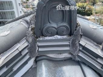 棟瓦の隙間もすべてコーキング材で塞いであります。