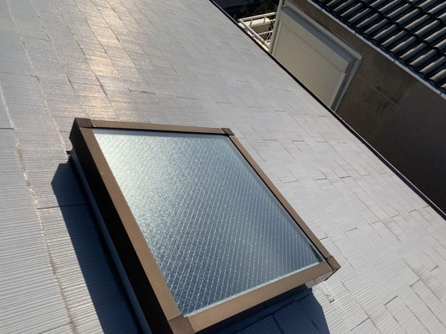 トップライト(天窓)の雨漏り修繕工事 雨漏りが起こっているトップライト