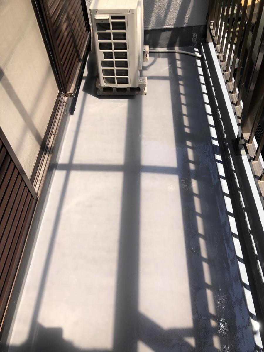 ベランダ防水工事でウレタン防水通気緩衝工法 完成