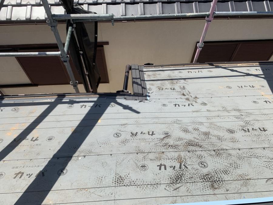 屋根葺き替え時の唐草・ケラバの役物施工