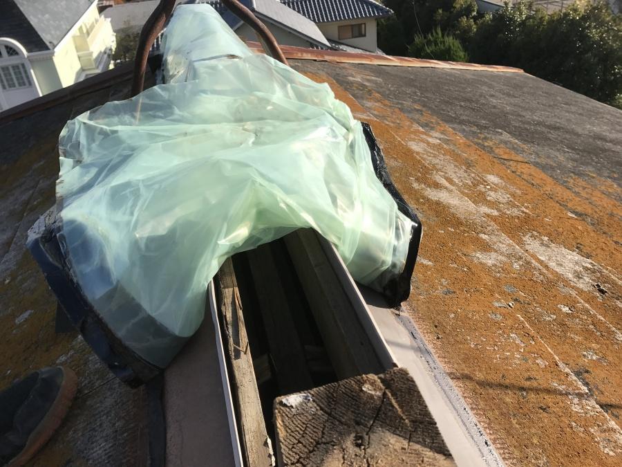 換気棟の下は屋根裏になっています。