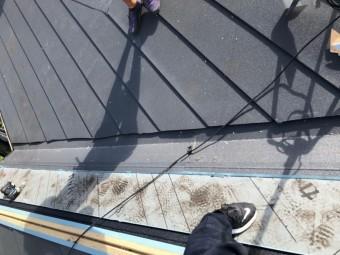 神戸市北区 屋根葺き替え 谷板金の施工