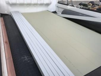 工場で加工してきた庇板金