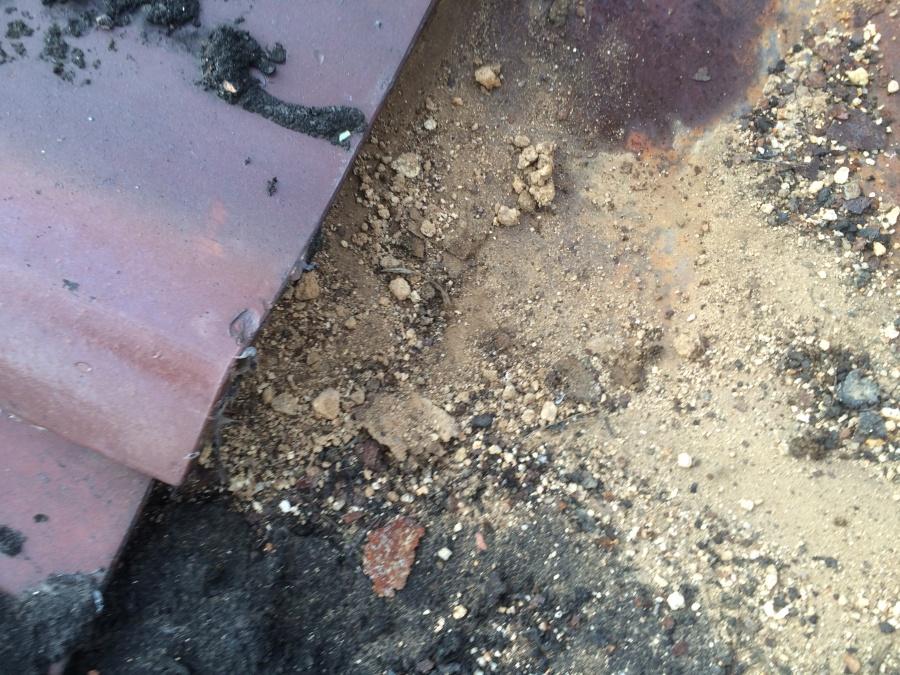 葺き土の流れ