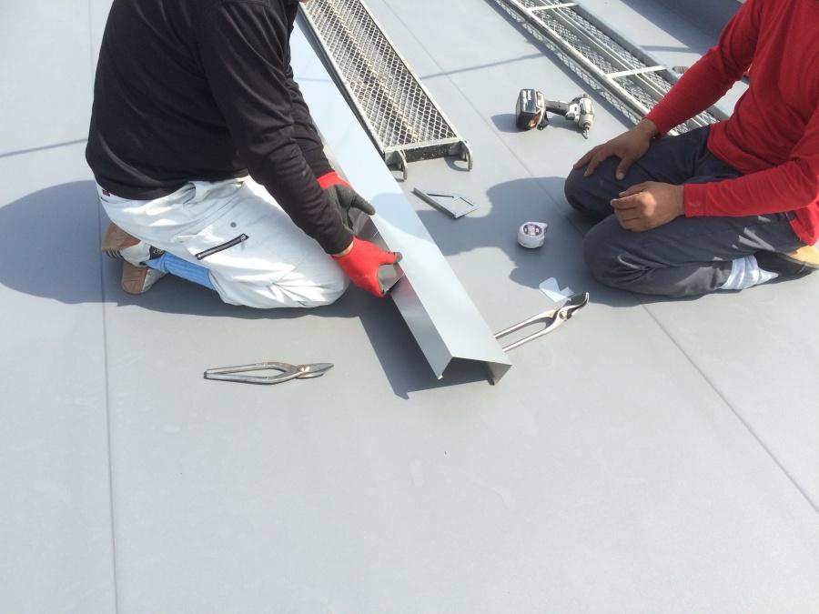陸屋根の笠木板金加工