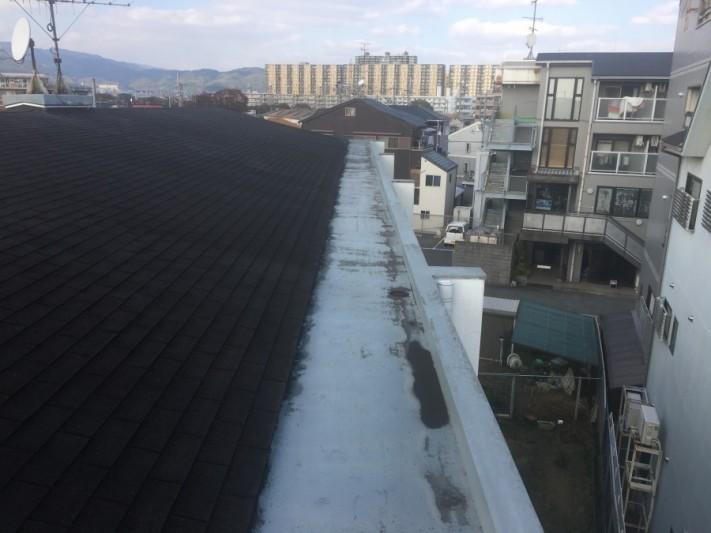 雨漏り現調 マンション屋上谷部分の調査