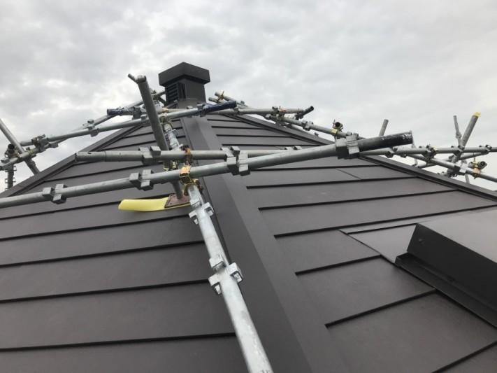 神戸市灘区スーパーガルバリウム鋼板ガルテクト葺き完成