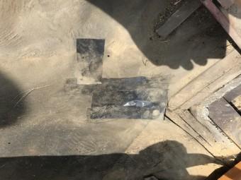 防水シートの破れは、防水テープで塞ぎました!