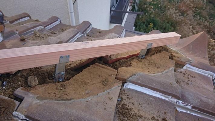 防災棟下地の金物と垂木