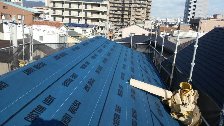 コロニアル屋根カバー工事 片面粘着ルーフィング貼