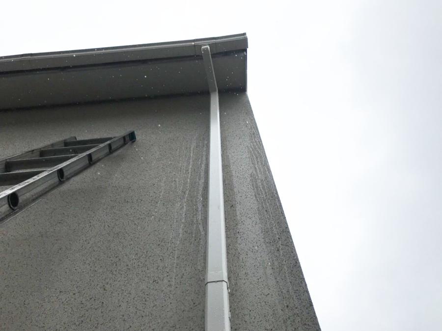 雨樋の修理・交換が完了 竪樋の様子