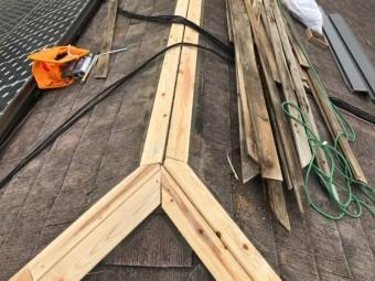 幅90mm厚み15mmの受け木を取り付けます。