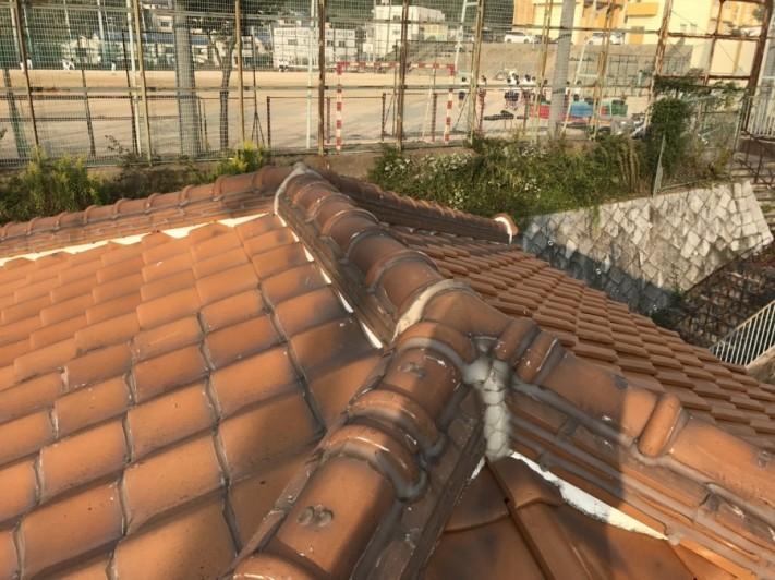 雨漏り葺き替えで瓦屋根点検