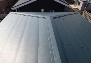ガルバリウム銅板で耐腐食性に優れた屋根へ